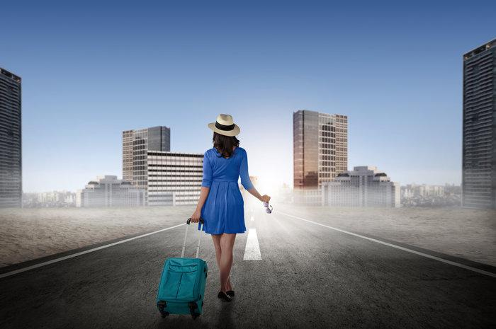 Safety-Tips-for-Women-Traveling-Alone