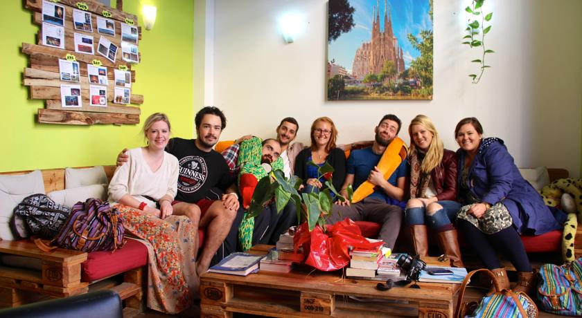 how-to-find-the-best-hostel-near-barcelona-sants-station